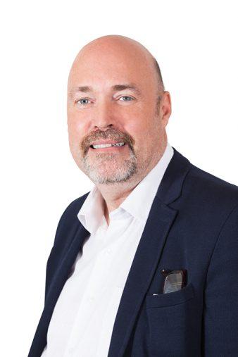 Mikael Dierks, företagsmäklare