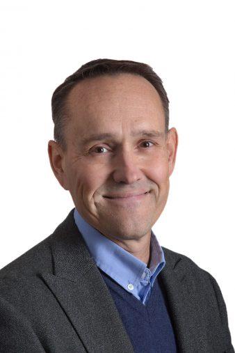 Fredrik Hultgren, företagsmäklare