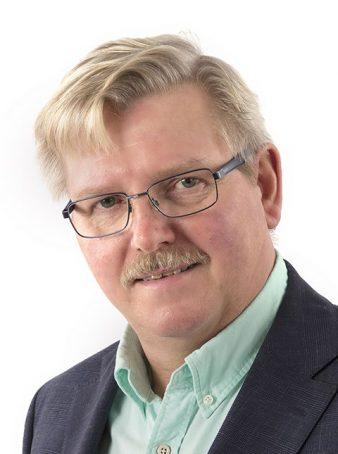 Arne Henrysson, företagsmäklare