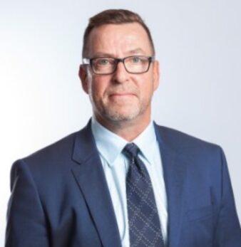 Hans Lindgren, företagsmäklare